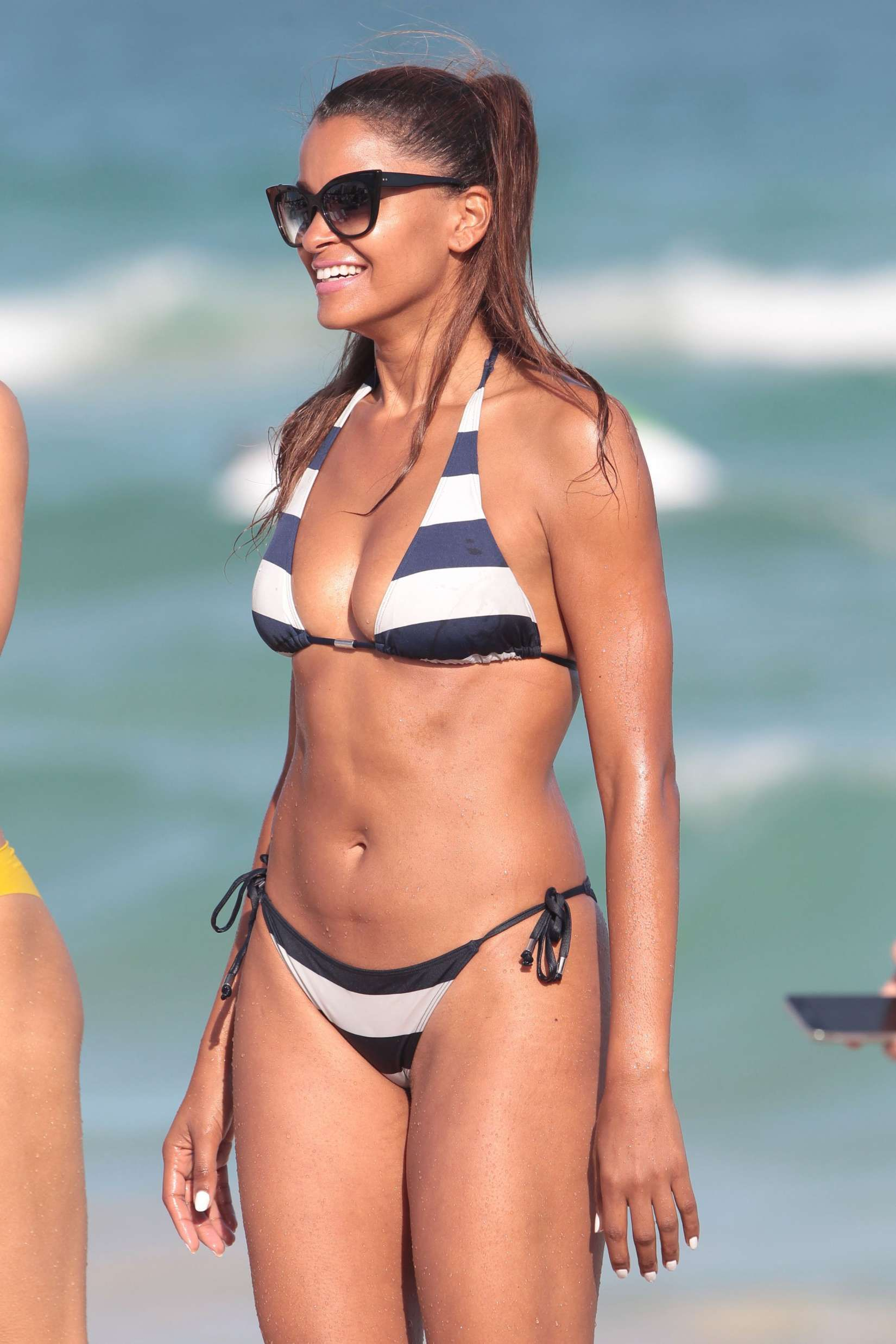 3608351caeaa29 Babes: Claudia Jordan Bikini Miami - Pictures, Videos and Games ...