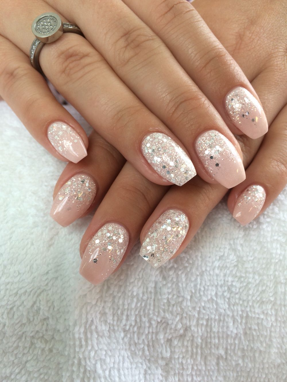 Pin By Kelly Kent On Naglar Bride Nails Nail Designs Glitter Pink Nails