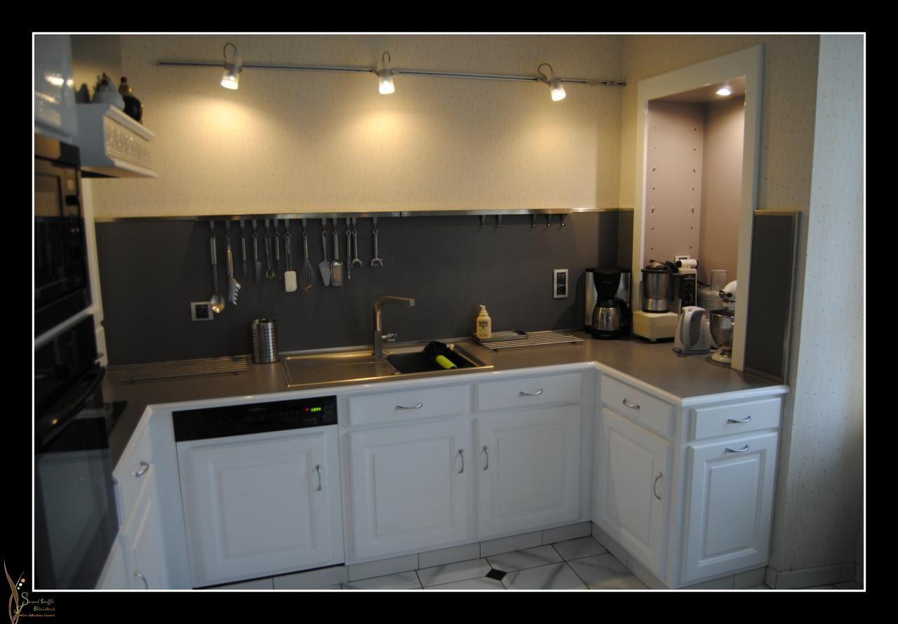 Repeindre meubles cuisine en blanc id e cuisine for Repeindre cuisine