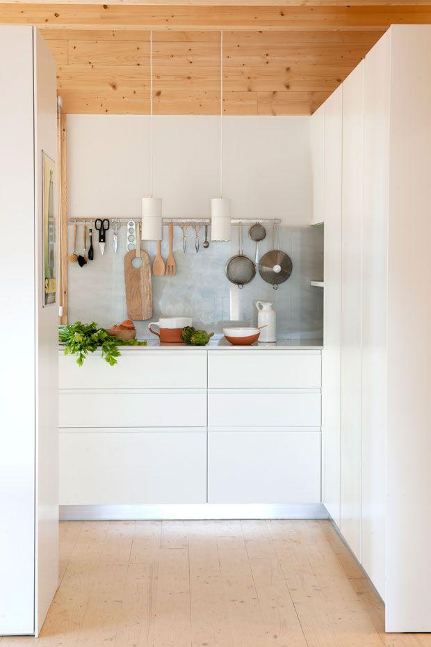 La cocina se queda en blanco | Colores blancos, Blanco y El espacio