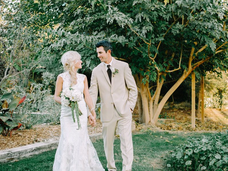This wedding is the utter definition of rustic glamour. see all the darling details here | http://publications.mywedding.com/i/390358/21