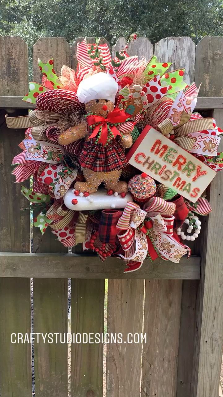 Photo of Christmas wreath, Christmas decoration, gingerbread man wreaths
