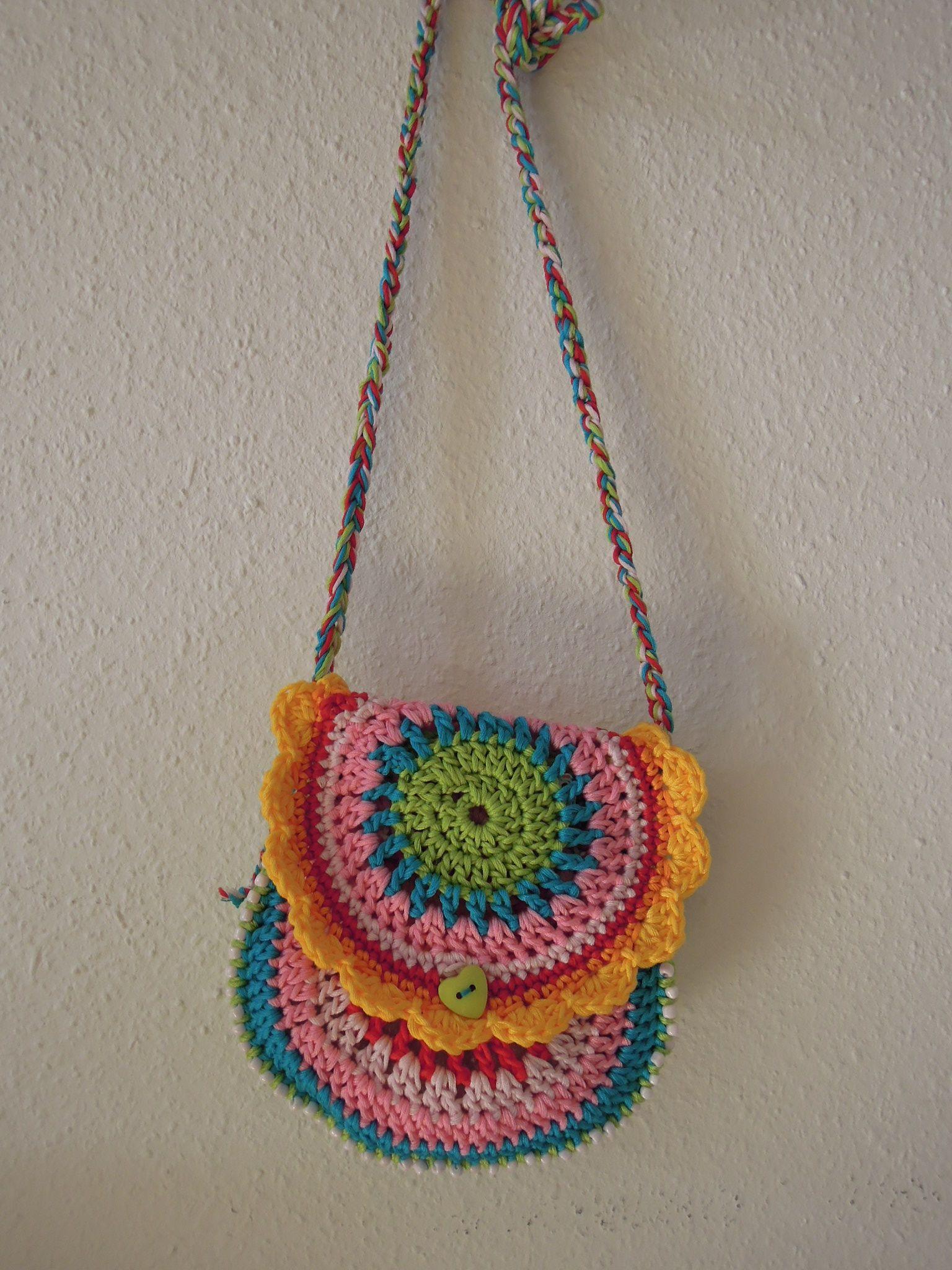 Épinglé par Fouzia Soussane sur Modèle gratuit | Crochet, Modèles gratuits