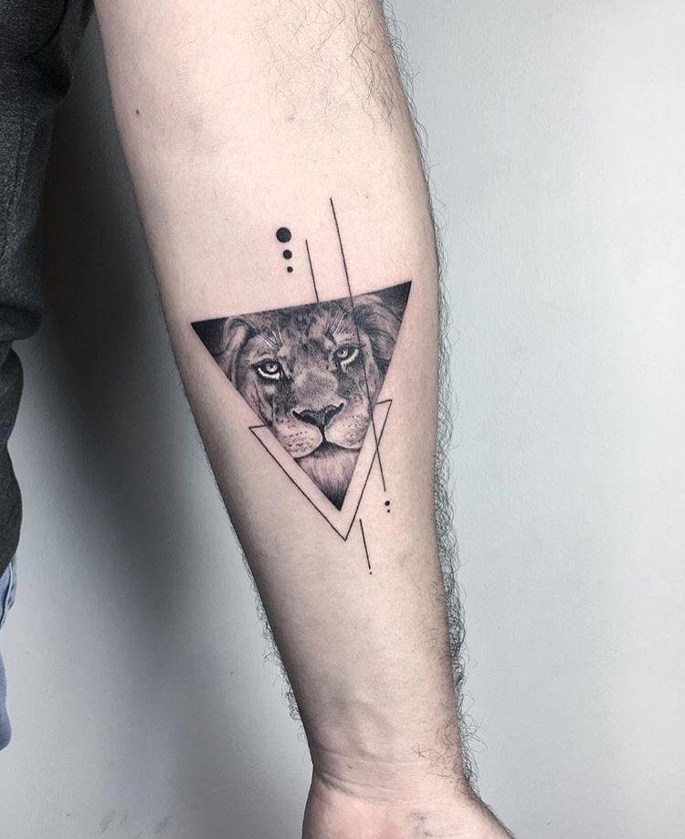 Pin By Eleyse Lawrence On Tattoos Tatouage Tatouage Lion