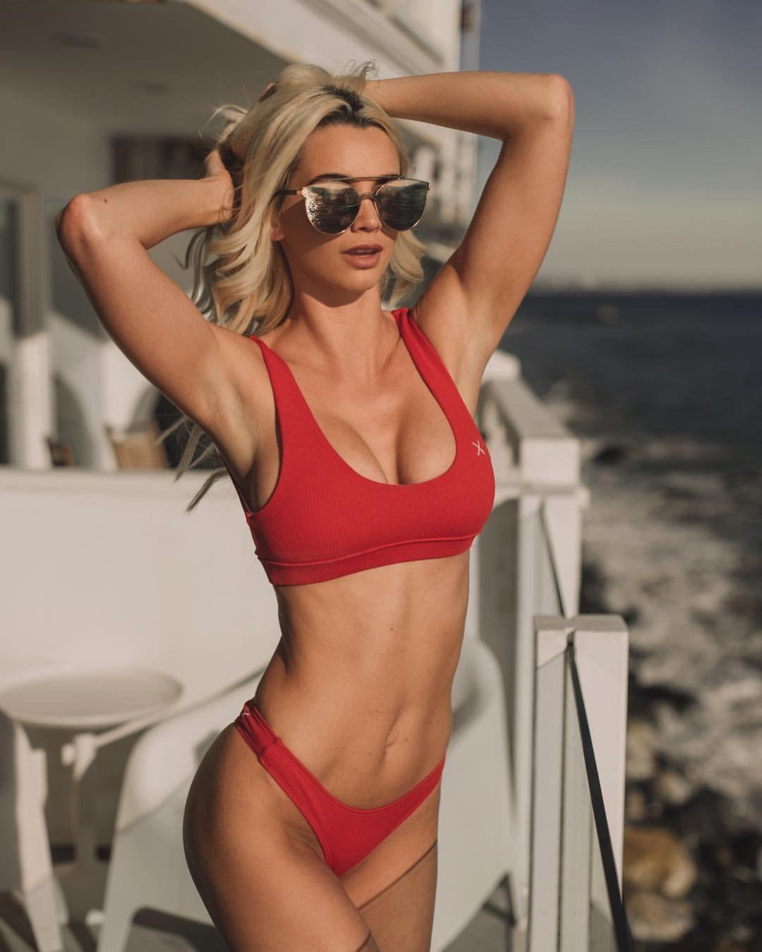 Hot Caitlin Arnett nude (75 photos), Ass, Hot, Boobs, braless 2006