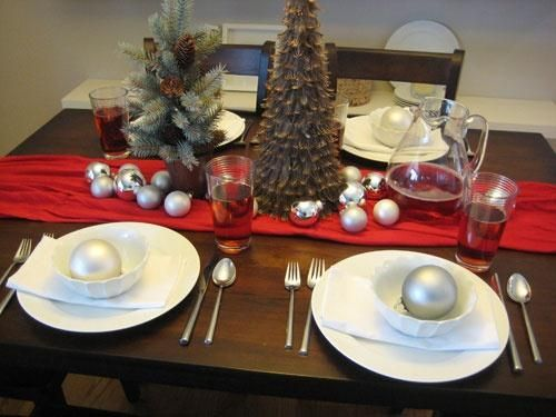Simple Christmas Table Settings with Runner & Simple Christmas Table Settings with Runner | Christmas is ...