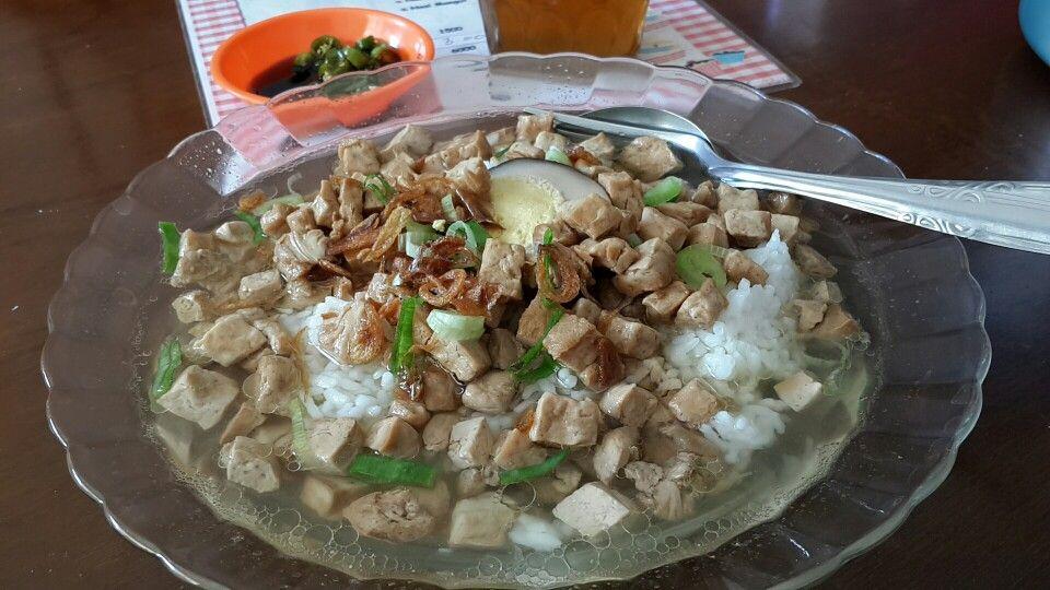 Nasi Bakmoy
