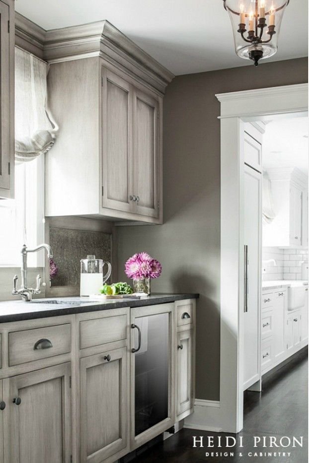 Gray Kitchen Design Ideas Cottage And Farmhouse Pinterest - Wall color with grey kitchen cabinets