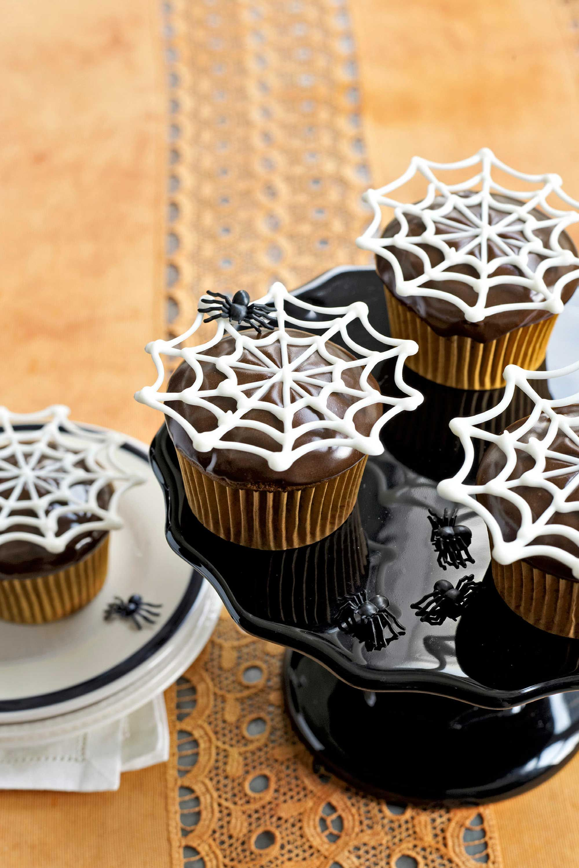 country living itsy bitsy spiderweb halloween cupcakes template comes w recipe too
