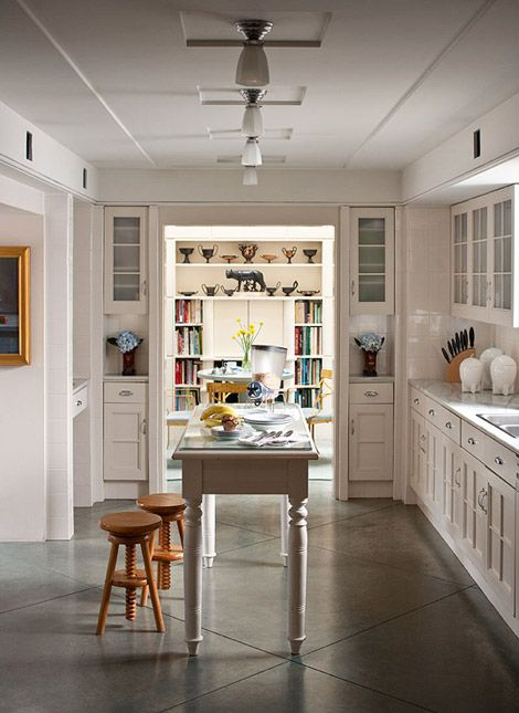 At Home with Architect Michael Graves | Suelo cemento, Suelos y Cemento