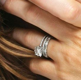Kate Beckinsale's stacking engagement solitare, and eternity wedding bands