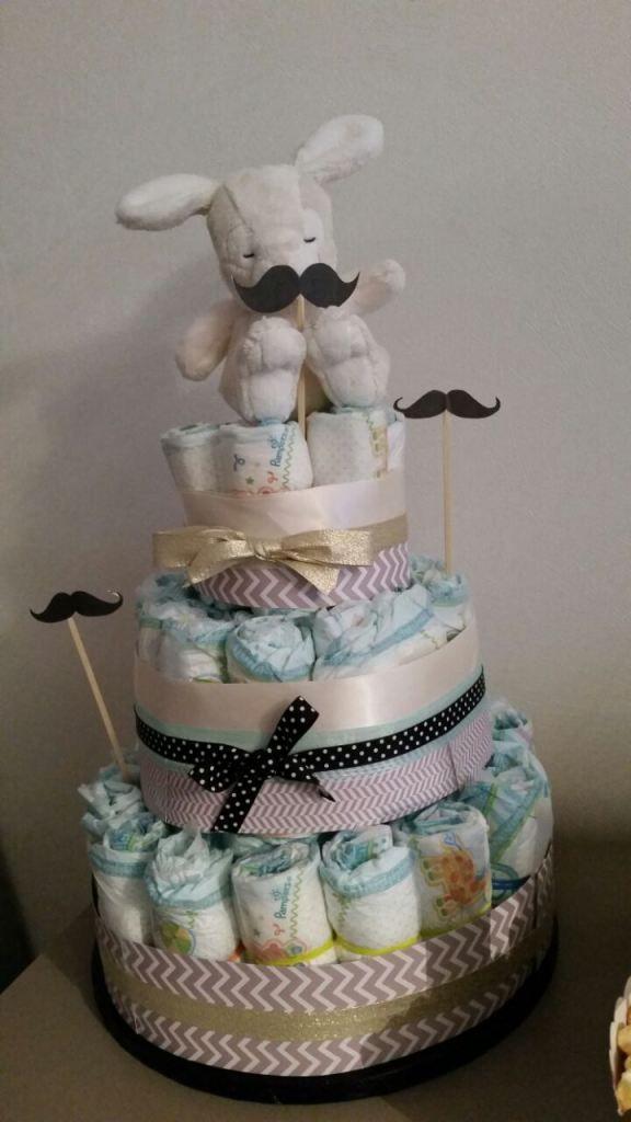 Comment Realiser Un Gateau De Couches Facile Avec C Est Pas Du Gateau Baby Diaper Cake Diaper Cake Baby Shower