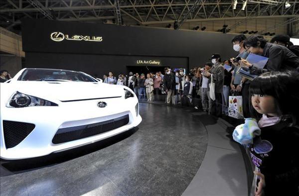 El primer coche de hidrógeno producido en serie sale a la venta en Japón - Yahoo