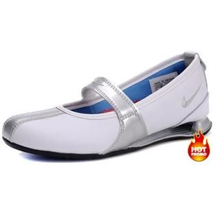 www.asneakers4u.com Nike Shox Ladies Dress Shoes White Silver Blue
