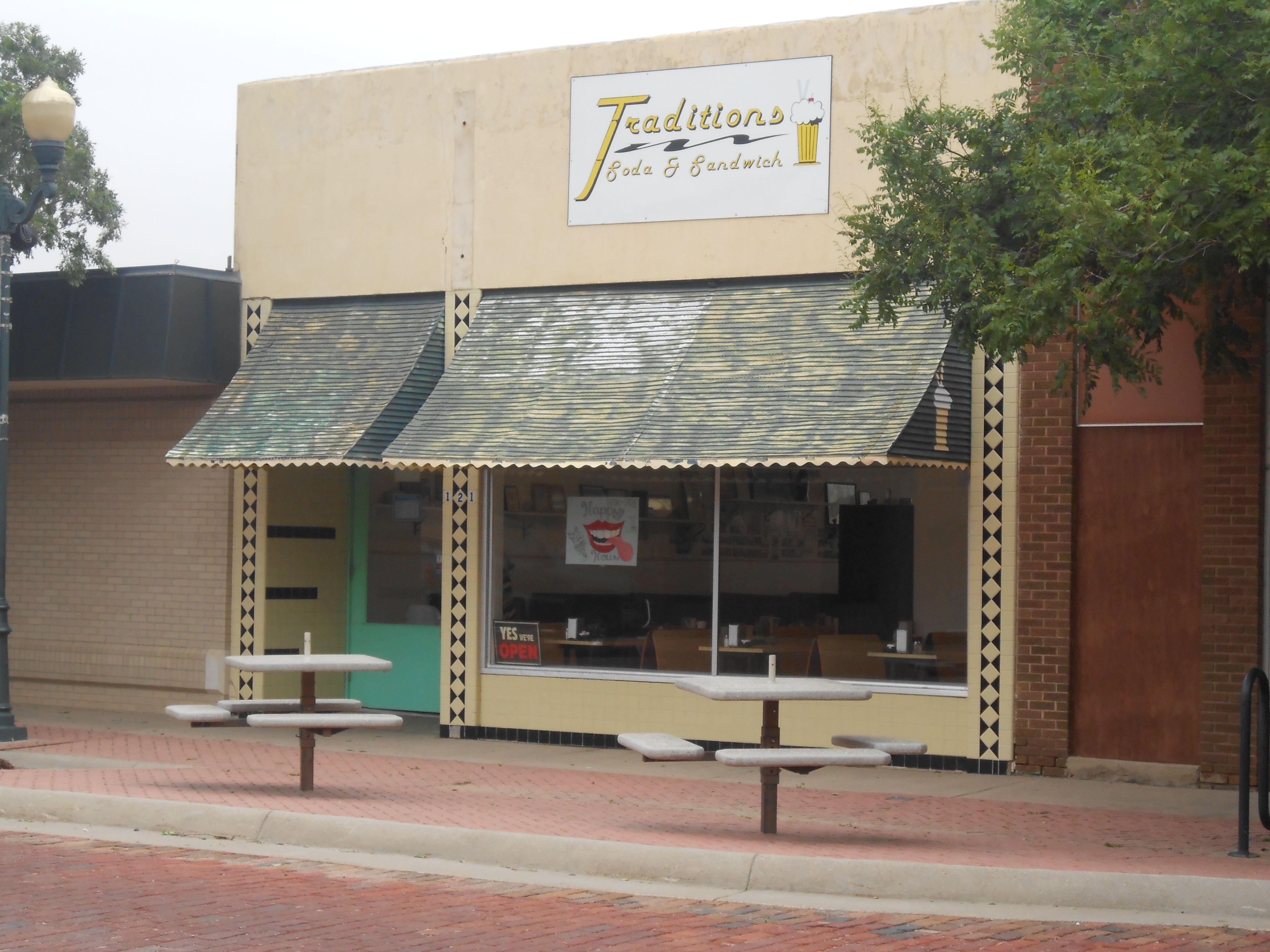 Traditions Soda Shop Downtown Garden City Ks Garden City Coffee House Eatery