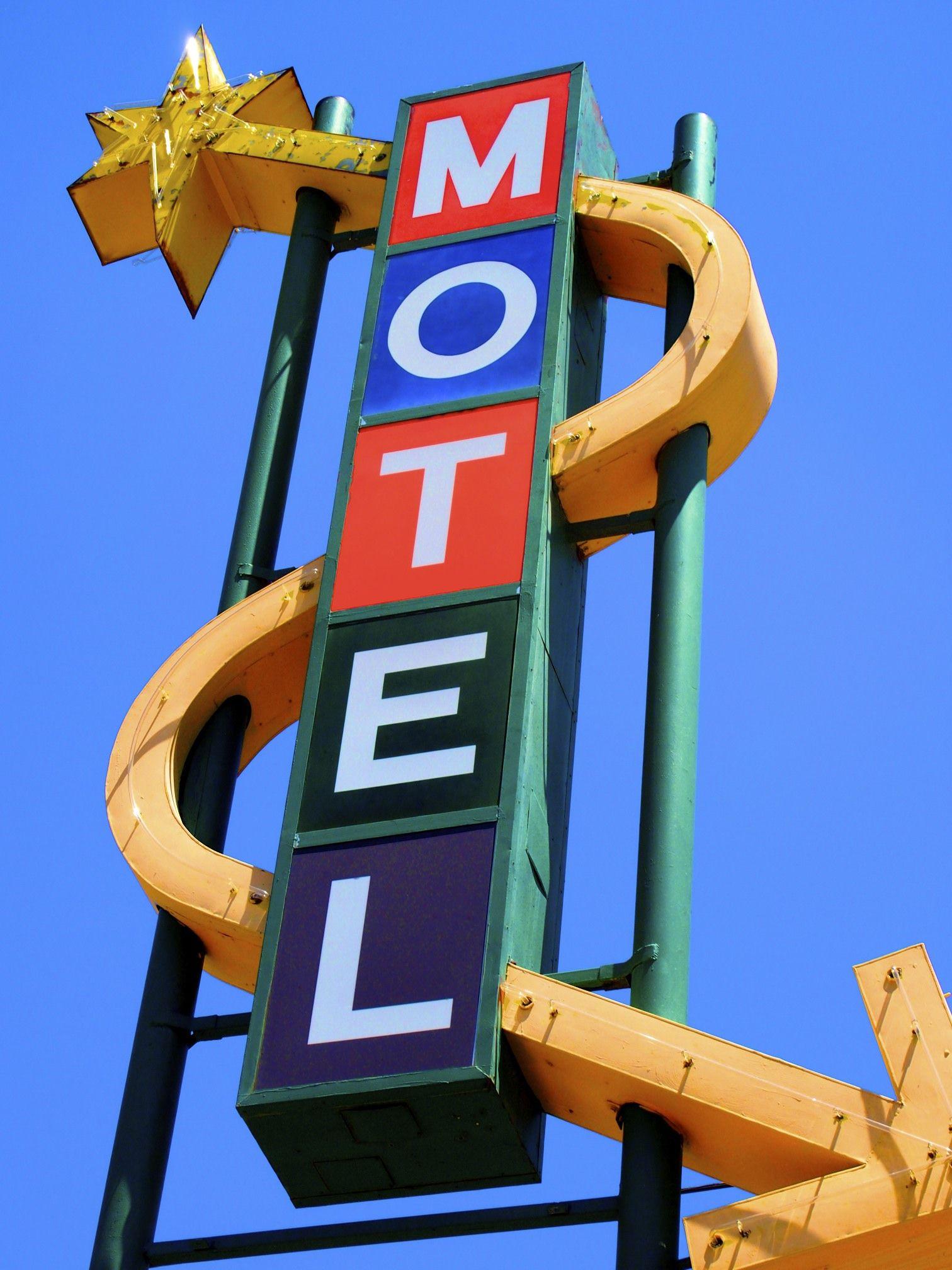 pueblo co boulderinn colorado is my home vintage neon signs rh pinterest com