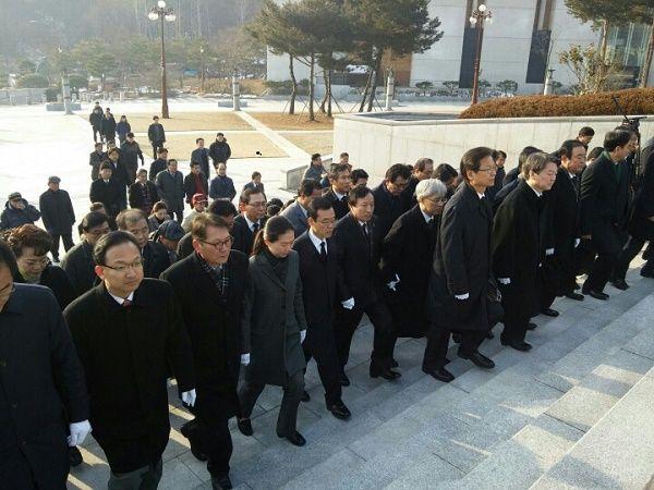 배종호 예비후보, 안철수·천정배등 국민의당 지도부와 국립 5.18민주묘지 참배