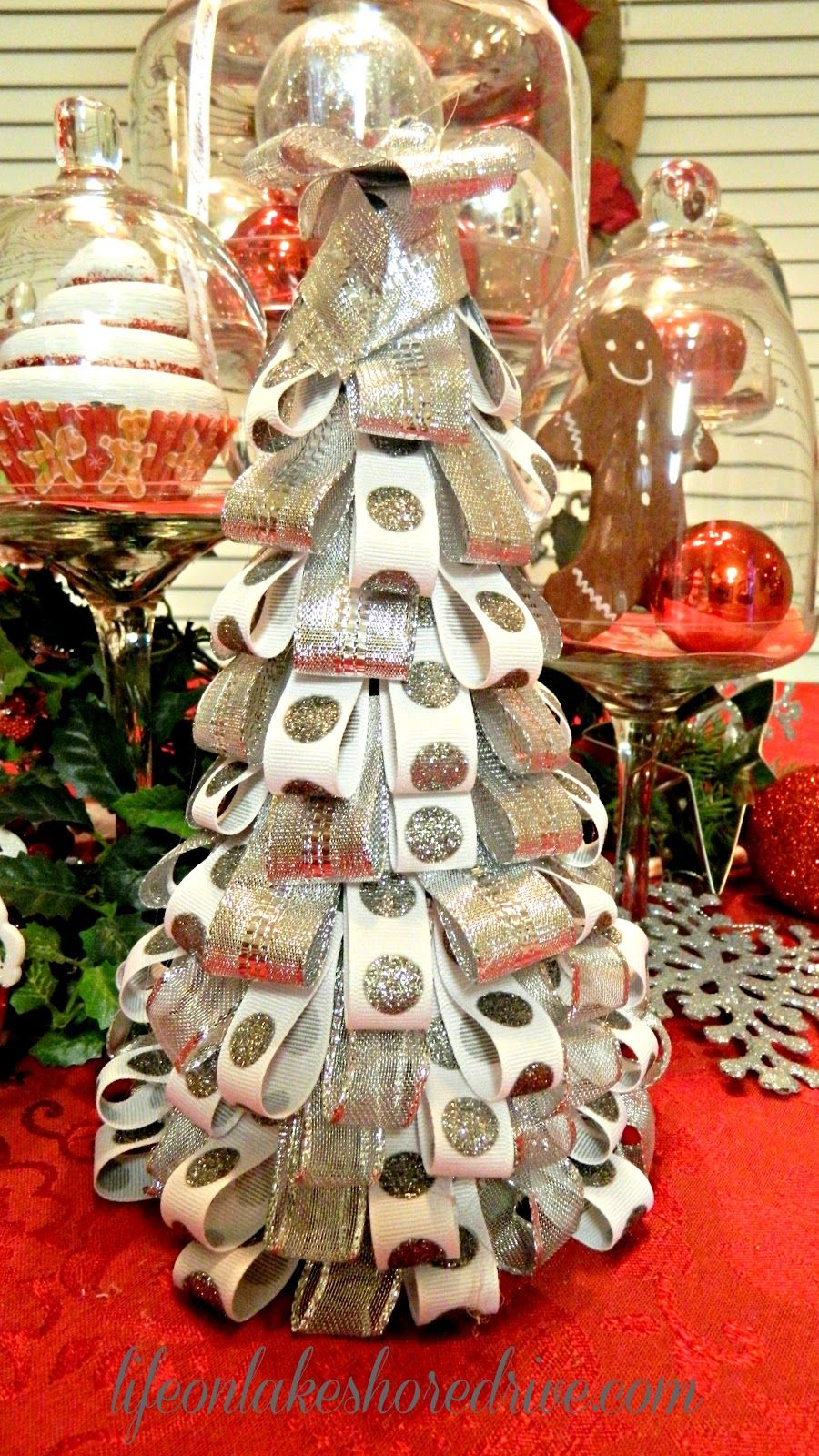 silver and white ribbon tree christmas diy decorations pinterest christmas trees web. Black Bedroom Furniture Sets. Home Design Ideas