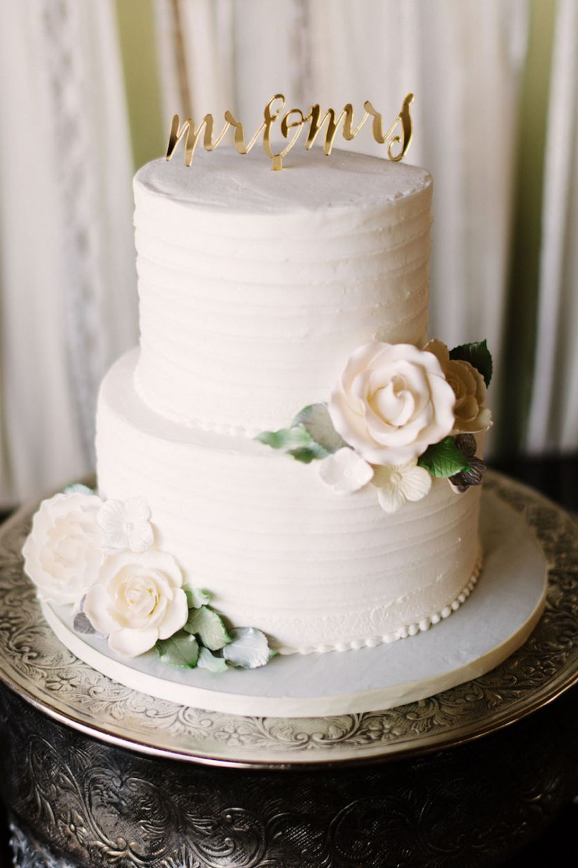 two tier round white wedding cake with ivory sugar roses with mr and mrs rustic cake topper by. Black Bedroom Furniture Sets. Home Design Ideas