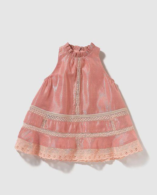 d24e94abf Vestido de bebé niña Bass 10 en rosa con puntilla | proyecto