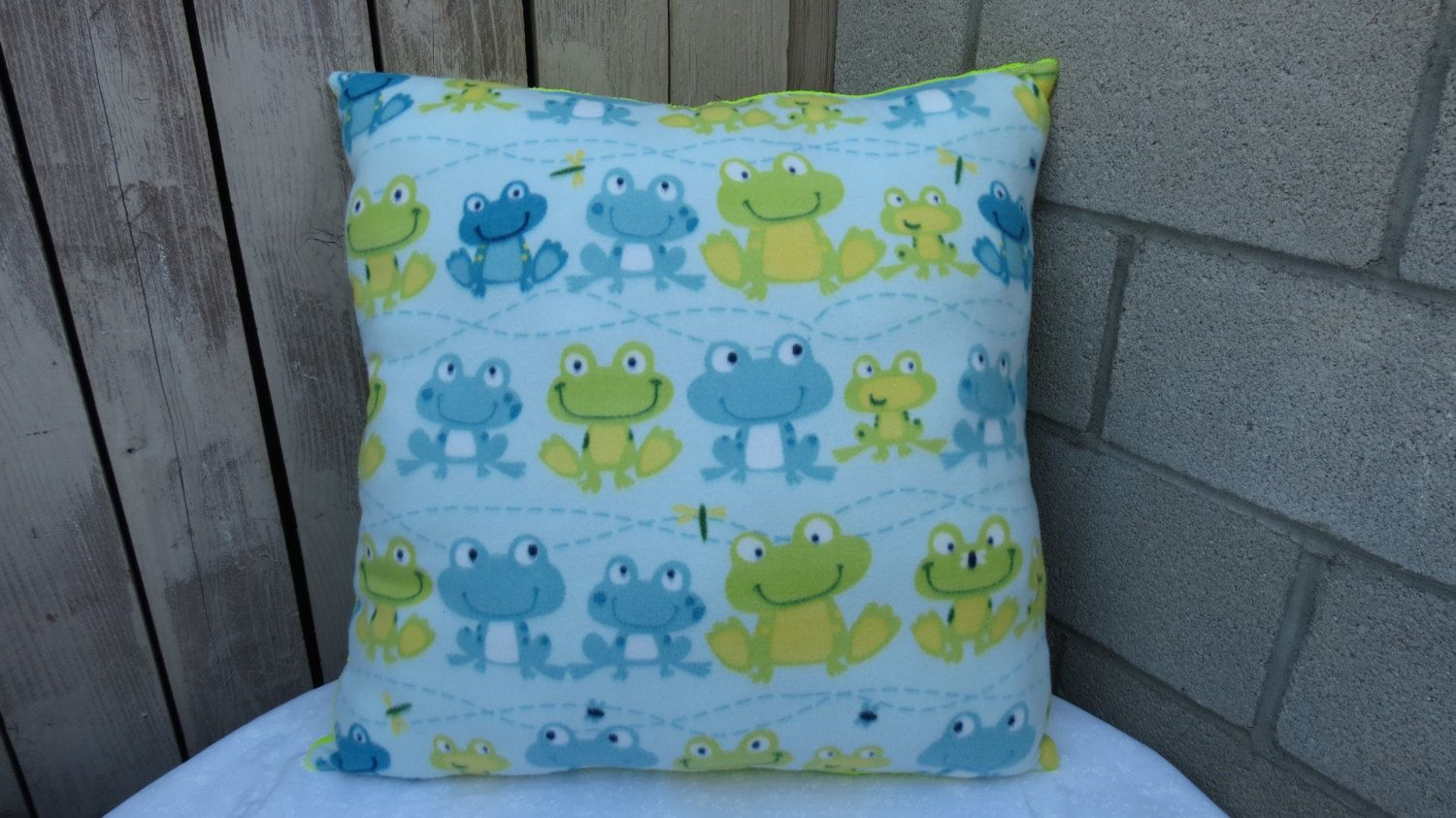 Frog Pillow, Large Pillow with Frogs, Frogs Bedding, Fabric with Frogs, Lime Green Pillow, Pillow Green, Frog Fabric, 28 X 28 Throw Pillow by MzGeezDesigns on Etsy