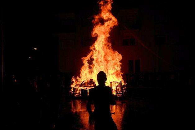 Stanotte è Sant Joan è Una Ricorrenza Molto Popolare In Catalogna Scoprite Perché è Soprannominata La Notte San Juan Noche De San Juan Solsticio De Verano