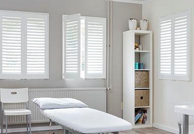 houten shutters badkamer – webhexe, Badkamer