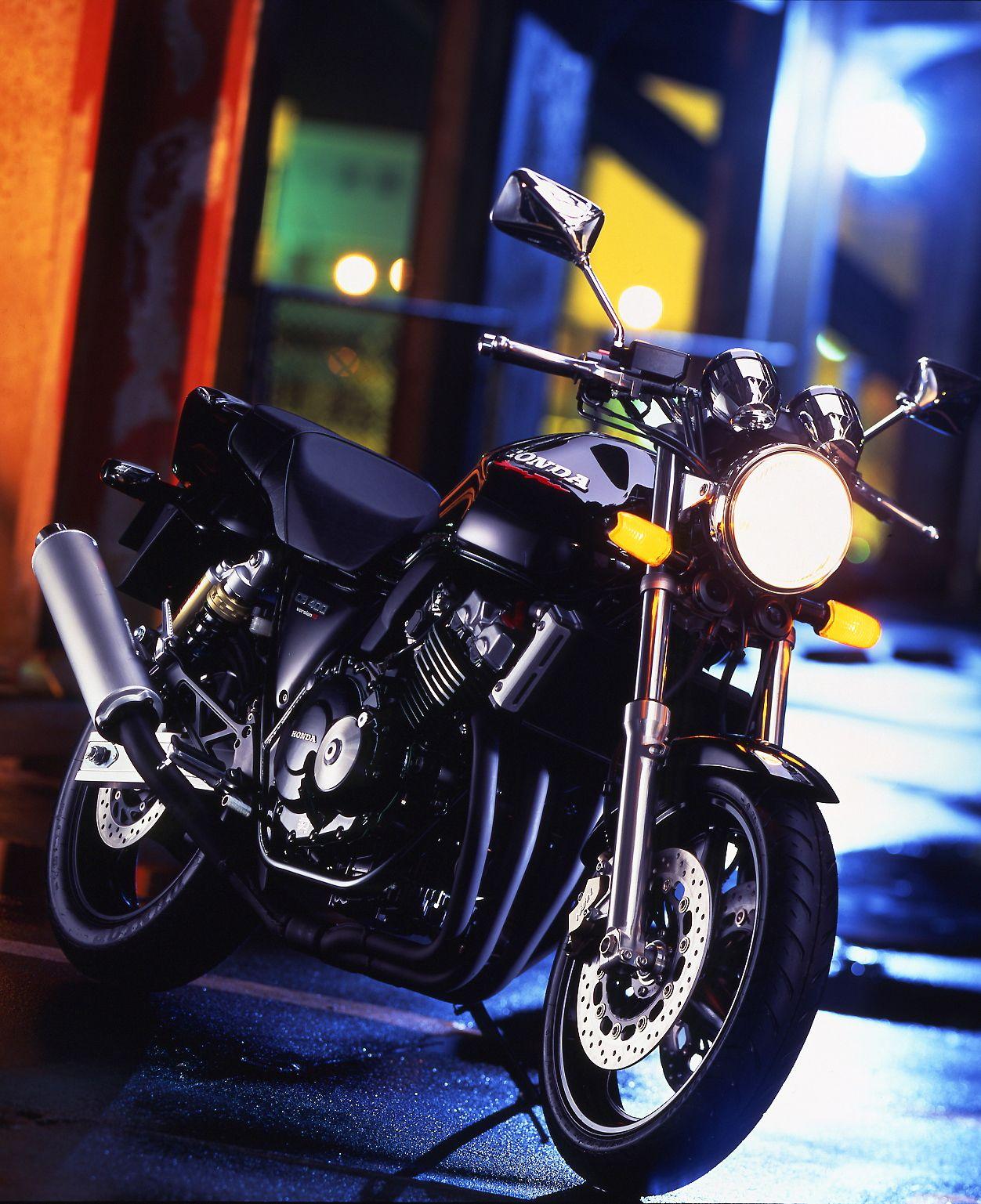 Cb400sfの歴史はここから始まった 1992年 初代 Cb400sf まとめ バイクニュース タンデムスタイル タンデム Cb400sf カスタム バイク