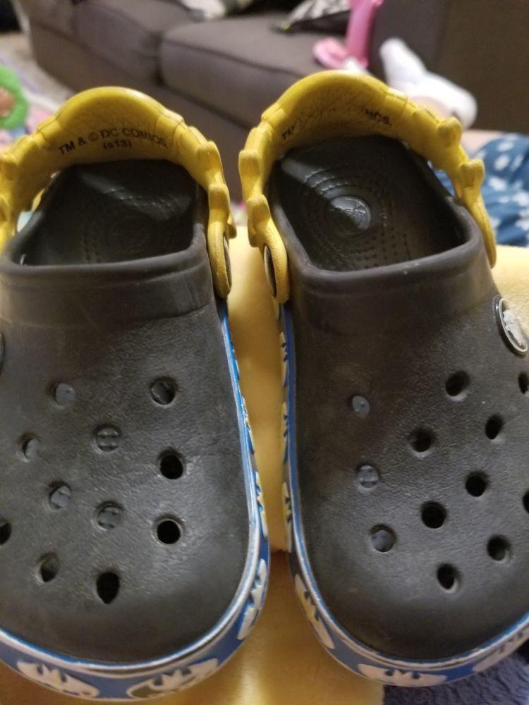 b27c88957 BOYS BATMAN CROCS SIZE 9 10  fashion  clothing  shoes  accessories ...
