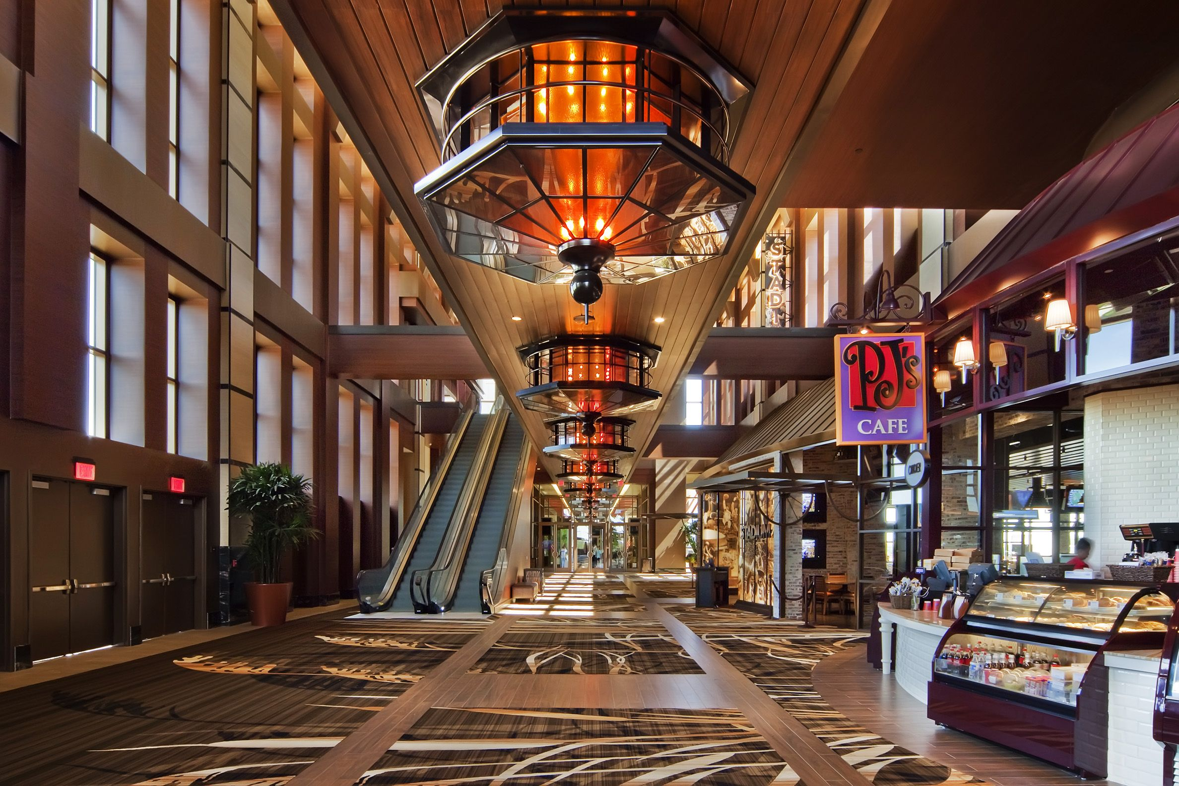Hotel casino baton rouge card casino online paysafe
