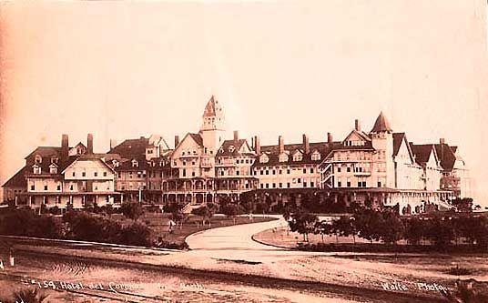 The Very Haunted Hotel Coronado Located Just Outside San Go Has A Ghostly