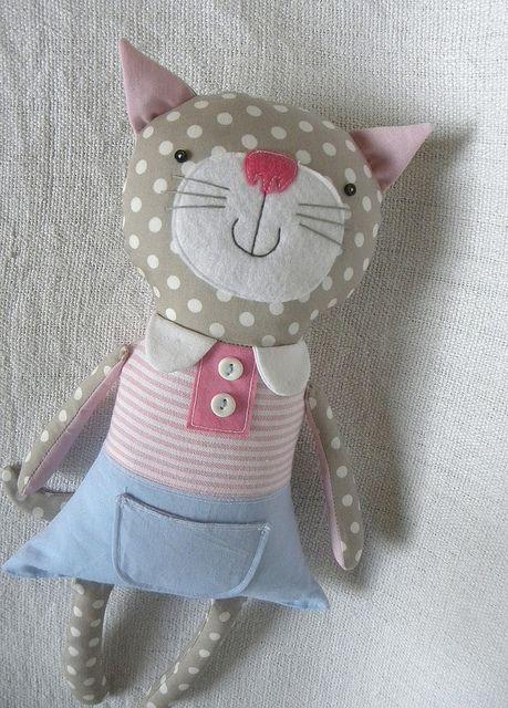 Muñeco de trapo, gatita con camiseta a rayas rosas | Peluches ...