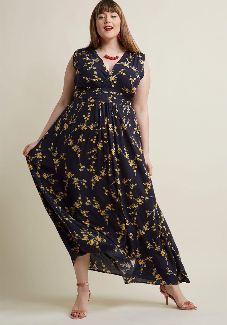 Serene dream maxi dress in navy blossom maxi dresses navy and