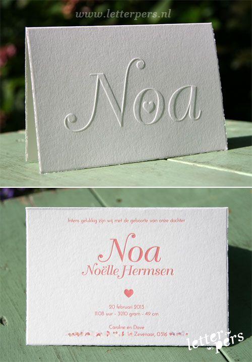 letterpers_letterpress_geboortekaartje_Noa_roze_hartje_scheprand