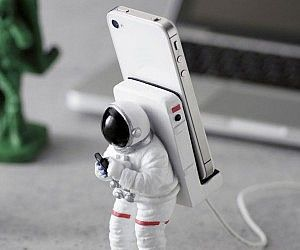 Astronaut Smartphone Mount - for my dad