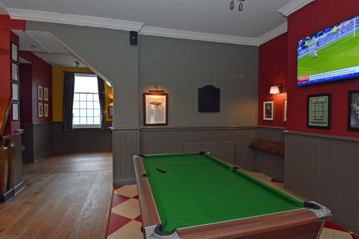 Cheers All Round As Popular Pub Reopens After Face Lift - Lifting a pool table