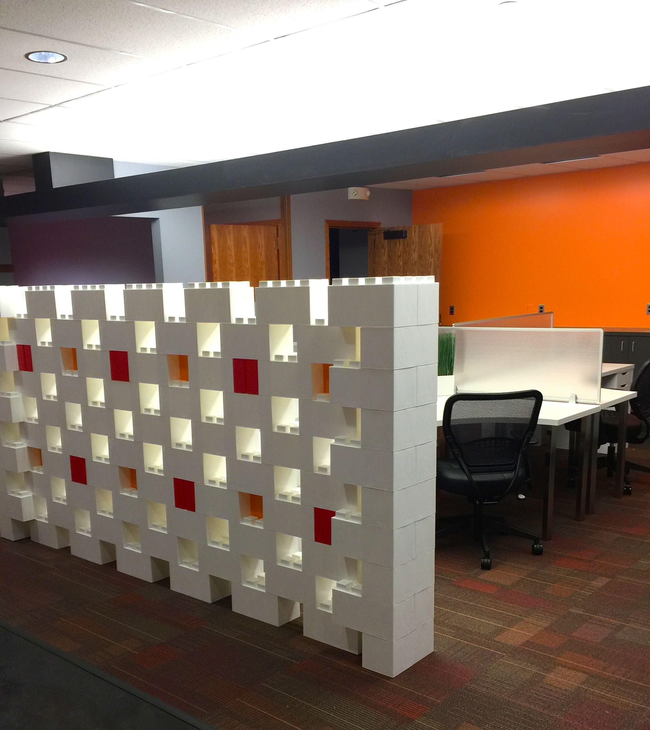 Pared ambientes oficinas bloques decoraci n dise o for Decoracion oficina