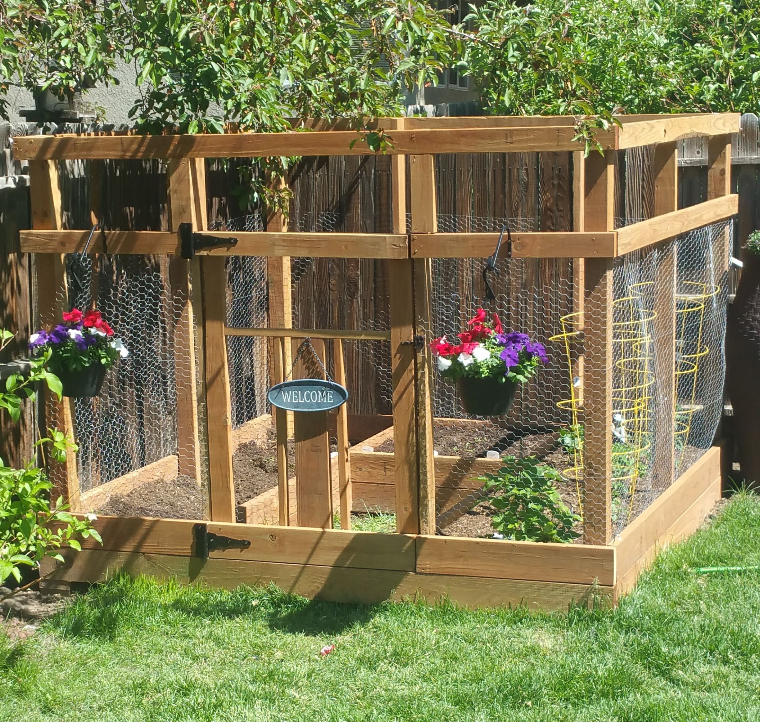 Garden Enclosure With Custom Gate - DIY