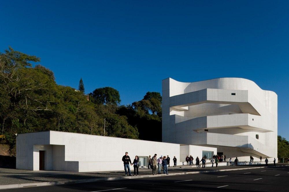 Imagens da Fundação Iberê Camargo de Álvaro Siza por Fernando Guerra