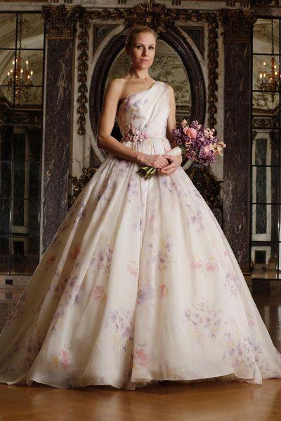 فساتين زفاف ملونة 2016 لإطلالة مبتكرة في ليلة الزفاف