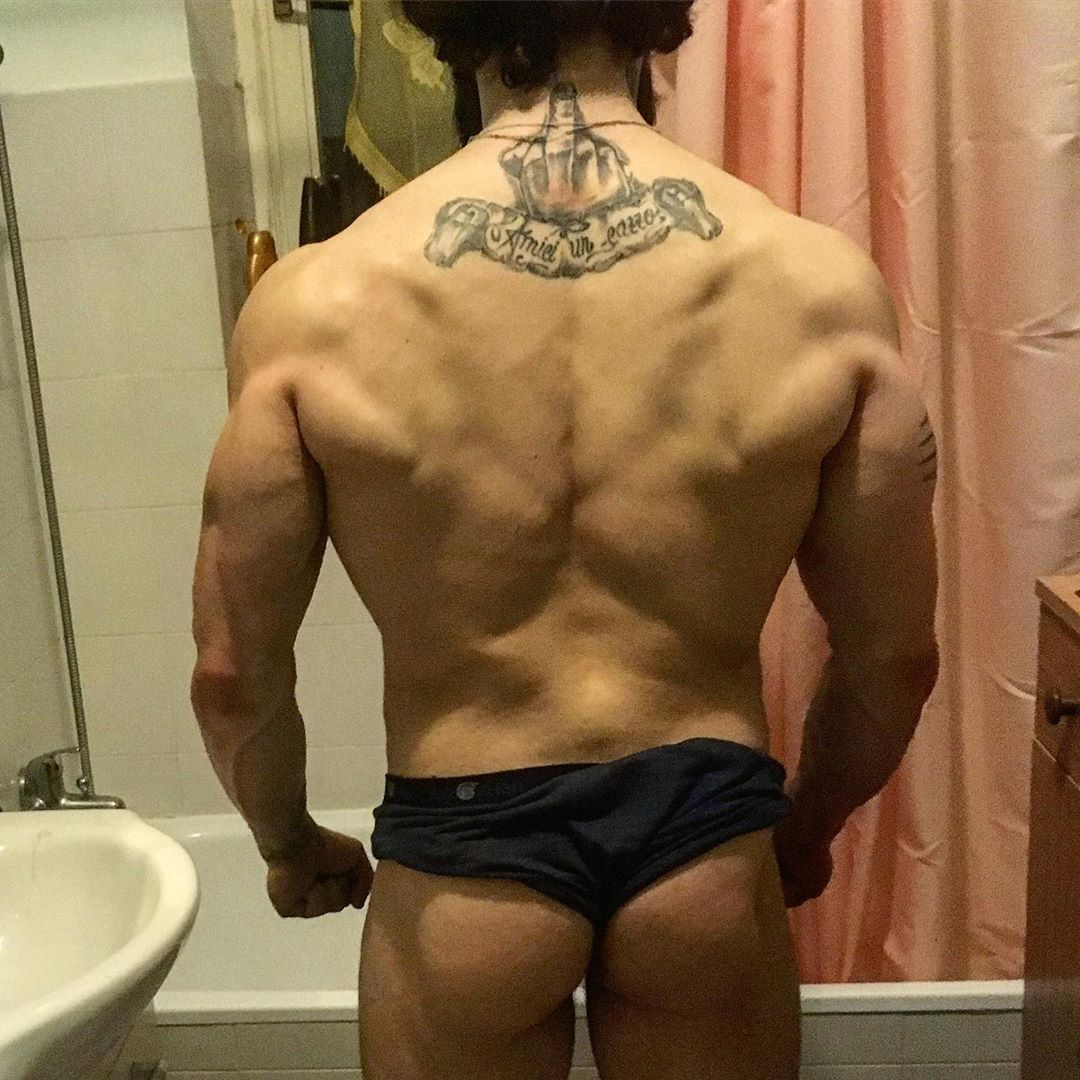 Laser tattoo removal los angeles?   #back #dorsali #bodybuilding #body #bodytransformation #passion...