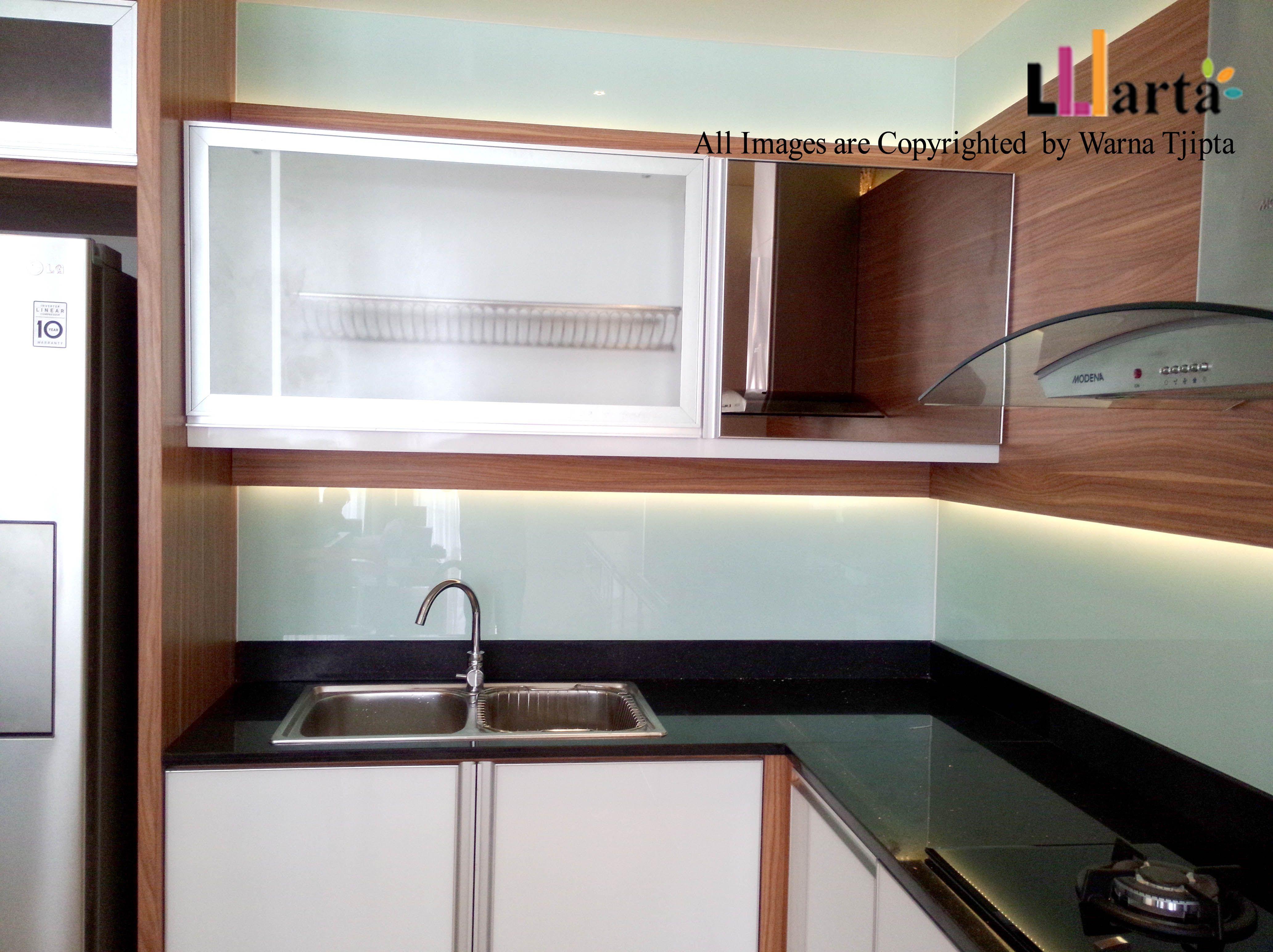 Kitchen set mr sukandar modernkitchenset kitchen hpl duco platerack hydrolic sink modena hpl glasstone warmwhite indirect lighting