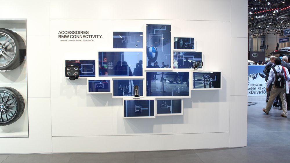 Bmw Connectivity Exponat Yellow Exhibition Display Design Interior Design Gallery Interior Design Art