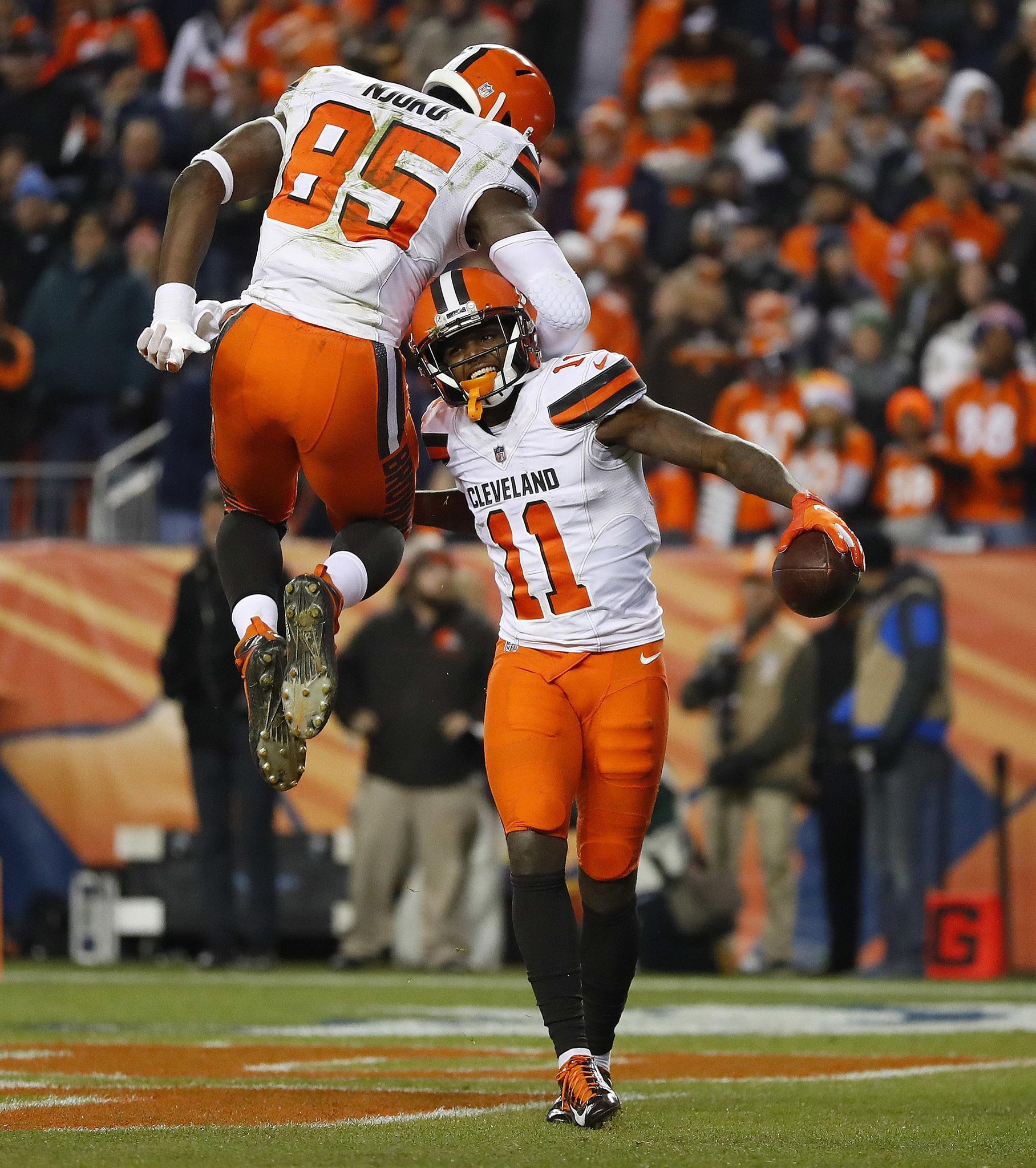 Cleveland Browns beat injuryplagued Broncos 1716