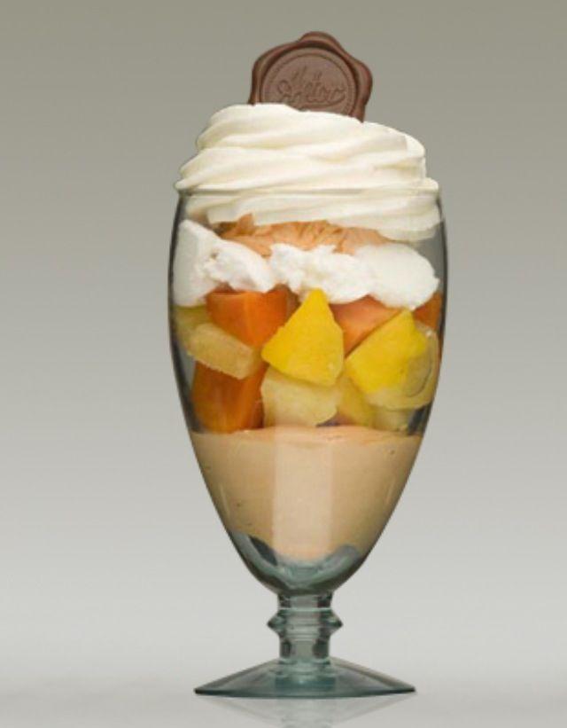"""Domingo de antojo... Disfruta hoy de una deliciosa """"COPA ASTOR"""" de la #reposteriaastor www.elastor.com.co"""