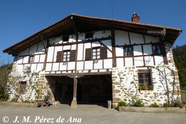 Uxuluze orozko caser os vascos - Casas rurales pais vasco frances ...
