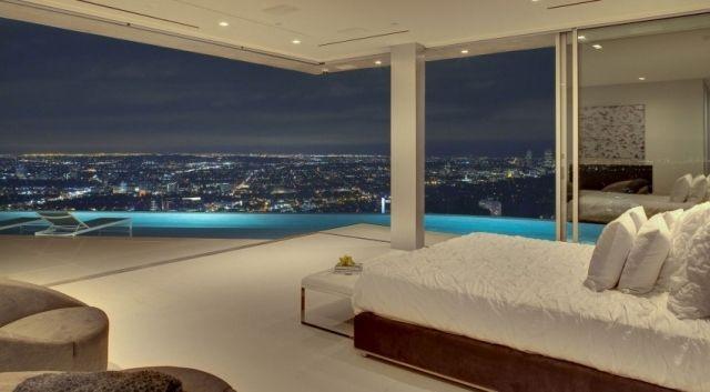 Luxus Schlafzimmer Fensterfront Schiebetüren Pool