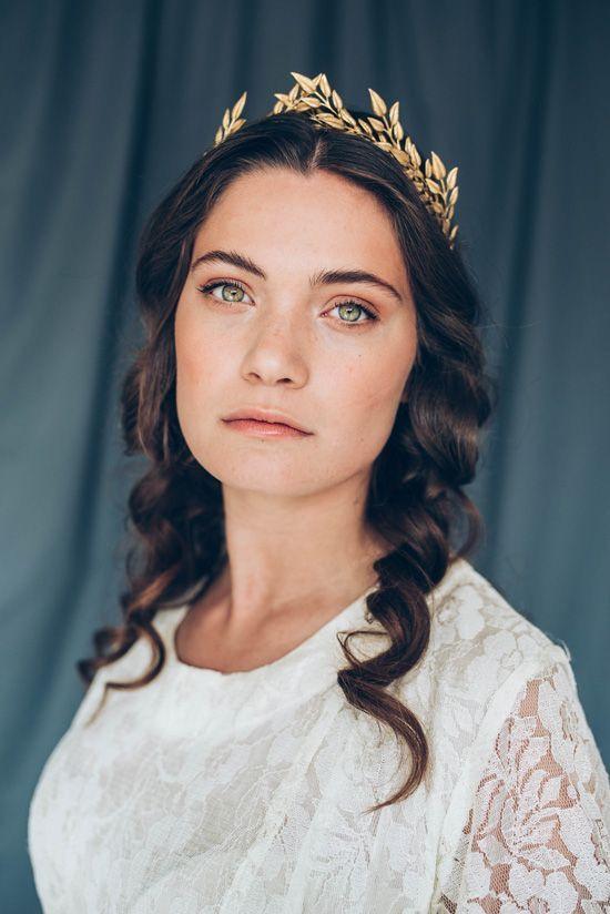 Natural Makeup // Handmade Crowns From Naturae Design. Wedding accessories.
