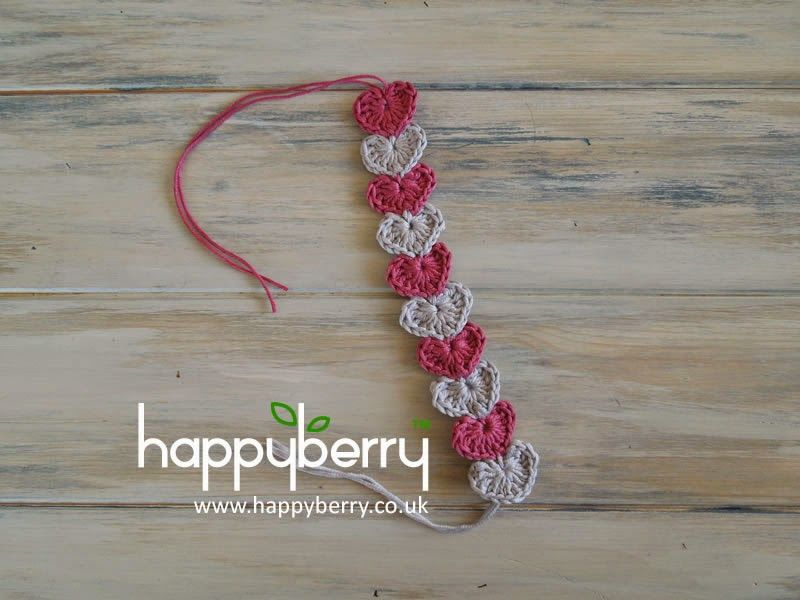 Happy Berry Crochet: Quick and simple crochet heart bracelet pattern ...