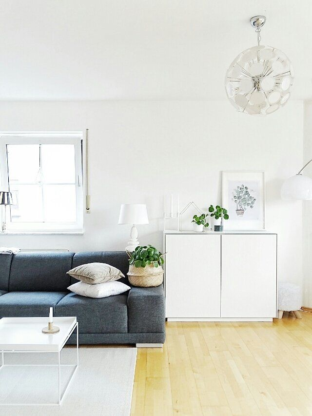 {Noch mehr Ligran...} #wohnzimmer #einrichtung #interior #einrichtungsideen #dekoration #decoration #livingroom #couch #white  Foto: Julia Mammilade